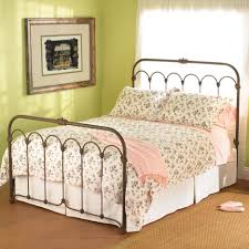 iron bedroom furniture. Choosing Your Wrought Iron Bedroom Set : Simple And Chic Furniture Idea With Brown
