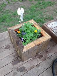 pallet wood planter. recycled pallet planter box wood