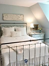 benjamin moore woodlawn blue best blue paint colour guest bedroom antique furniture