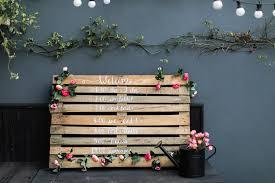 diy wooden pallet wedding sign diy order of the day wedding decor rustic