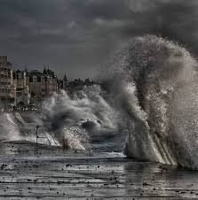 「Great wave at Saint Malo」の画像検索結果