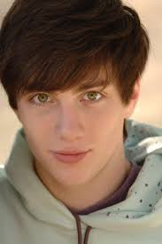 My LuphLy....: Biography of Aaron Johnson