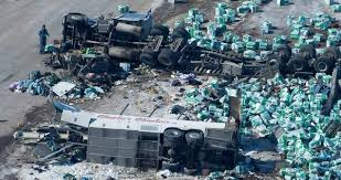 15 die when truck hits youth hockey team's bus in Canada - News ...