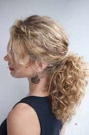 Hairstyle For Curly 33 modern curly hairstyles that will slay on your wedding day a 8325 by stevesalt.us