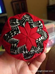 Free Pattern Friday – Quilted Christmas Ornaments (no sew) & Quilted Christmas ornaments Adamdwight.com