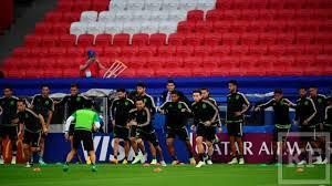 Как матч Португалия Мексика в Казани вошел в  Судя по количеству бумаг аккуратно сложенных в папке это вполне сойдет и на диссертацию по теме Как остановить Роналду