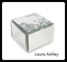 Laura Ashley可愛いコンパクト ジュエリーボックス 鏡素材