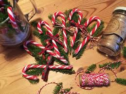 Candy Cane Table Decorations Christmas Table Decorations Candy Canes and Twine Paperblog 9