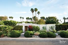 Palm Springs Garden Design A Palm Springs House Retains Its Midcentury Spirit Luxe