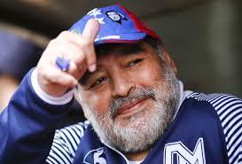 Artistas e esportistas lamentam morte de Diego Maradona - Quem