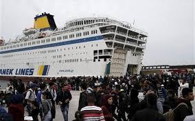 Αποτέλεσμα εικόνας για πλοιο με λαθρομεταναστες