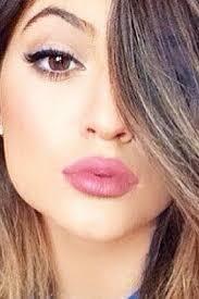 6 surprisingly simple makeup tricks from kylie jenner s makeup artist