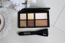 freedom makeup pro cream strobe palette with brush rpr 10 00 here is as the name suggest a cream contour kit that es with a contouring brush