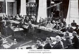 mohandas karamchand gandhi 1869 1948 attends the round table conference in london1931
