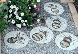 decorative stepping stones for garden decorative garden stepping stones creative concrete garden stepping stone ideas painting bee decorative stepping