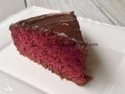Resultado de imagem para imagens de bolo velvet com cobertura de chocolate