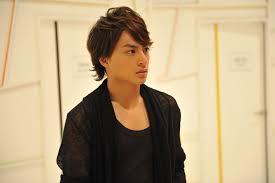 白濱亜嵐の髪型パーマ短髪がマジでかっこいい最新版 Hairstyle