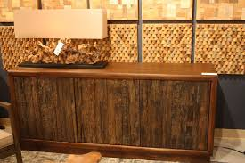 the contrast of smooth and textured wood is very attractive