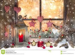 Rote Weihnachtsdekoration Mit Laterne Auf Fensterbrett Mit