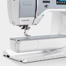 BERNINA 770 QE – the high-end sewing, embroidery and quilting ... & Extended Freearm for Grand Ideas Adamdwight.com
