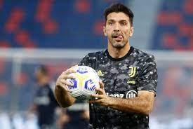 """أكد بوفون أنه يواصل: """"أقرر في غضون ثلاثة إلى أربعة أيام"""" - فوتبول إيطاليا"""
