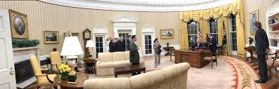 bush oval office. I Think All This Is Just A Temporary Decor And The Entire Oval Office Will Be Redecorated Shortly. But That\u0027s My Opinion! Bush S