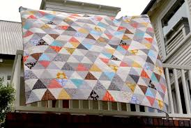 On the Windy Side: Equilateral triangle quilt - finished! & Equilateral triangle quilt - finished! Adamdwight.com