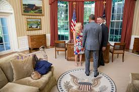 white house oval office. President Barack Obama Visits With A Departing United States Secret Service Agent And His Wife As. Lawrence Jackson / The White House Oval Office