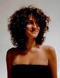 Coiffure Sur Cheveux Bouclés Coupe Cheveux Frisés Femme