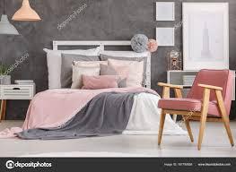 Schöne Mädchen Schlafzimmer Stockfoto Photographeeeu 167790858