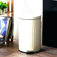 kitchen trash cans red kitchen trash cans home design ideas and pictures retro cool can lovely kitchen trash cans
