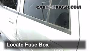 interior fuse box location 2002 2009 chevrolet trailblazer 2006 2006 Chevy Trailblazer Fuse Diagram at 2006 Trailblazer Ext Fuse Box Diagram