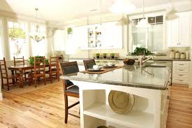 What color laminate flooring with oak cabinets Dark Wood What Color Laminate Flooring With Oak Cabinets The Beautiful Knotty Texture Of This Floor Only Stands Out More With The Use Of White Fraichementmouluinfo What Color Laminate Flooring With Oak Cabinets The Beautiful Knotty