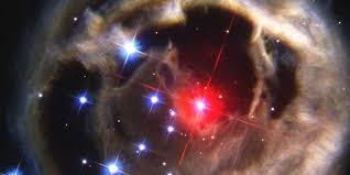 Hubble capturó en imágenes una galaxia que se encuentra a 15 millones de años  luz
