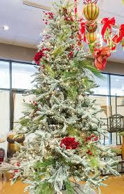 Designer Christmas Tree Ribbon How To Professionally Decorate A Christmas Tree Designers