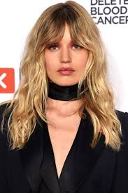 Best Hair Style For Long Face 33 best medium hairstyles celebrities with shoulder length haircuts 1757 by wearticles.com