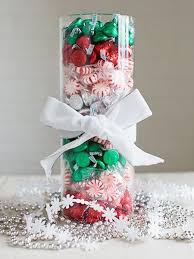 Top 50 Christmas Table Decorations 2017 on Pinterest. Candy Centerpieces ...