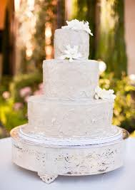 Gold Wedding White Gold Wedding Cakes 2124766 Weddbook