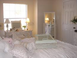 Mirror For Bedrooms Guest Bedroom Decorating Ideas Knanayamedia Com Decor 75 Loversiq