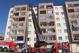 Son Dakika...Video Haber...Gaziantep'te Beş katlı binanın çatı katında  yangın çıktı - Olay Medya