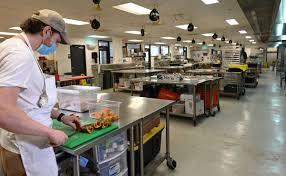 Ghost kitchens' thrive in Baltimore area during coronavirus pandemic as  customers avoid sit-down restaurants - Baltimore Sun