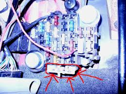 mystery circuit breaker jeepforum com well i came across one that has stumped me on the fuse block there is a circuit breaker on the very bottom here is a picture