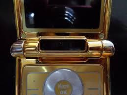 motorola razr flip phone gold. \u003c\u003d\u003e the legendary motorola razr v3 collections razr flip phone gold