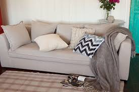 decorating sofa with throw rugs