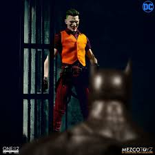 Mezco Toyz the joker 1/12 scale figure (in stock) - TNS Figures