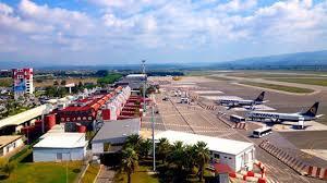 Ieri all'Aeroporto di Lamezia Terme 30 tra decolli e atterraggi per un  totale di 4 mila passeggeri: