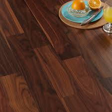 Bq Kitchen Flooring Calando Walnut Effect Laminate Flooring 159 Ma2 Pack Departments