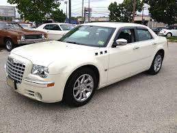 chrysler 300 2006 white. 2006 chrysler 300 gasoline 4 door white