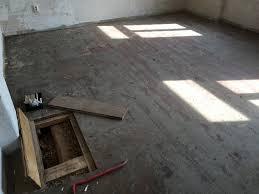 Holzbalkendecken richtig sanieren mit speziellen trockenestrich platten. Sanierung Fussbodenaufbau Holzbalkendecke