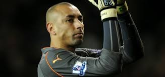 Heurelho Gomes applauds the fans at the end of the game against Chelsea (AFP/Getty) - article-1292283825562-0c755203000005dc-677059_636x300